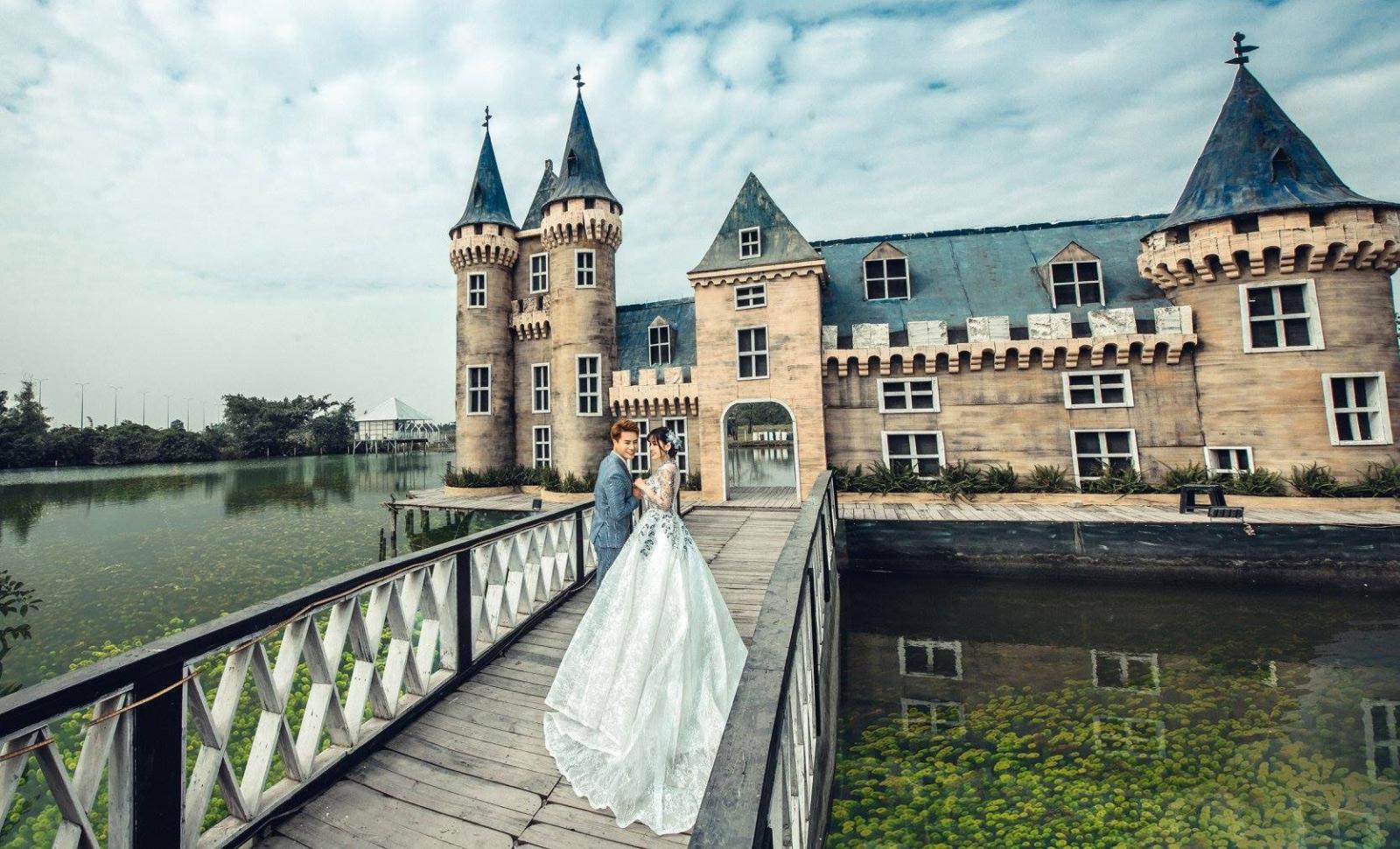 chụp hình cưới phim trường Paris