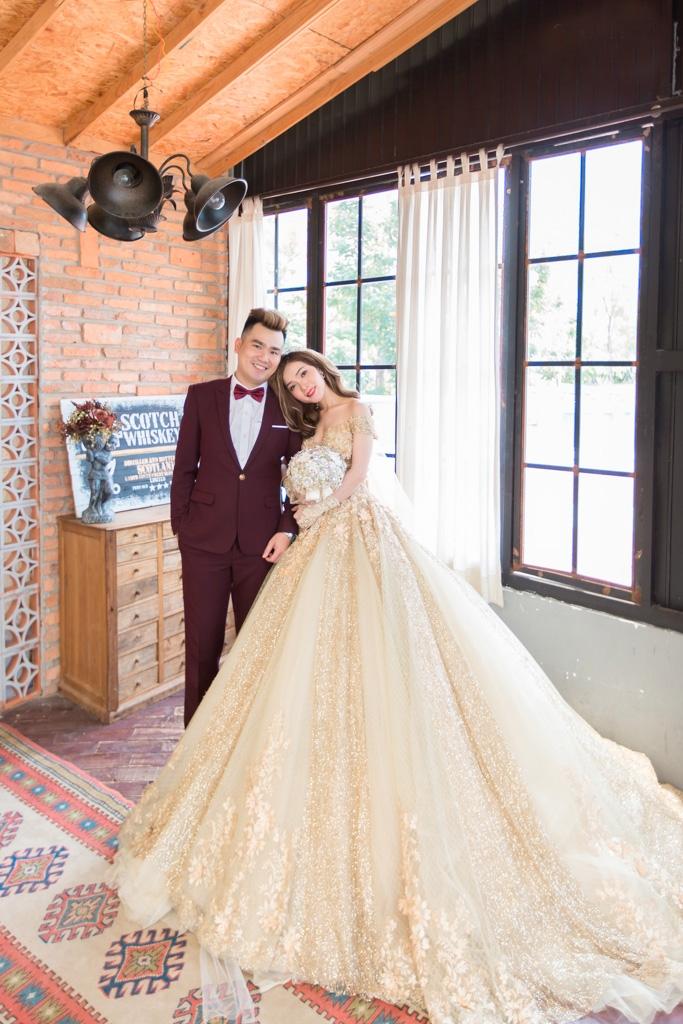 Chụp hình cưới trọn gói giá rẻ phim trường Endee Garden