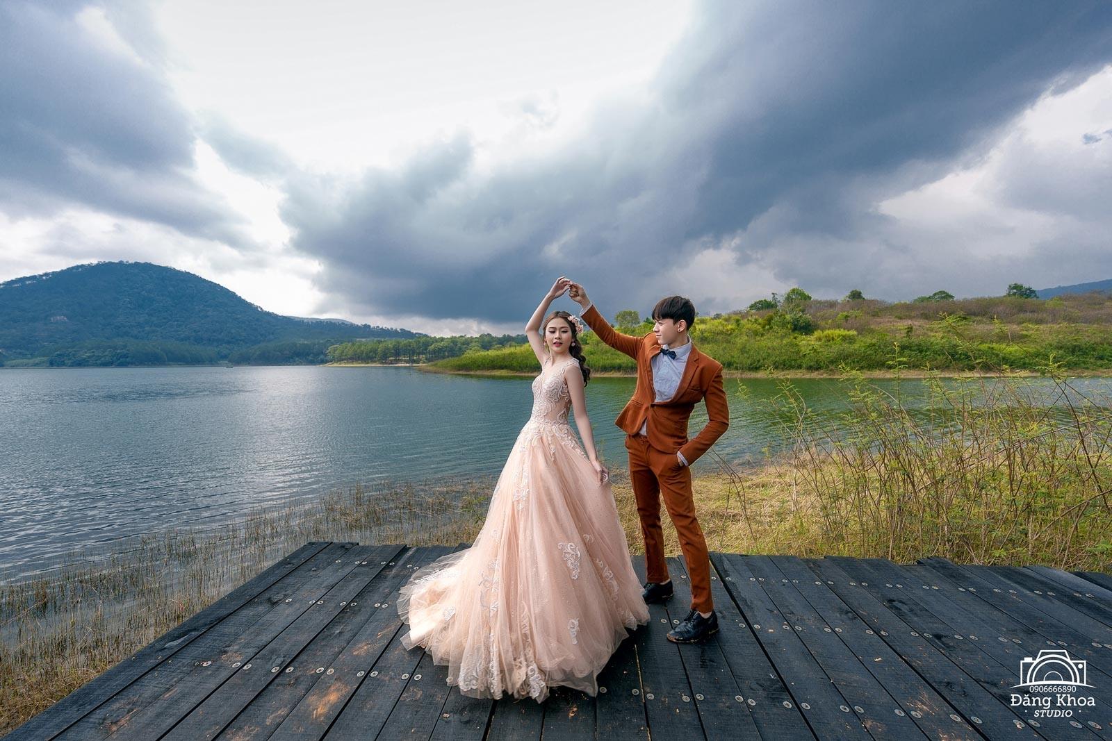 Hồ tuyền lâm - địa điểm đẹp chụp hình cưới tại Đà Lạt