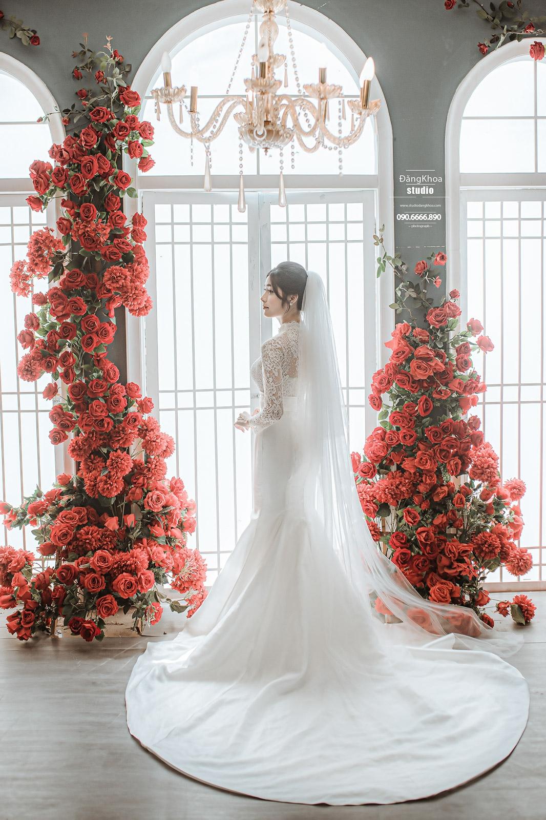 Chụp ảnh cưới tại phim trường