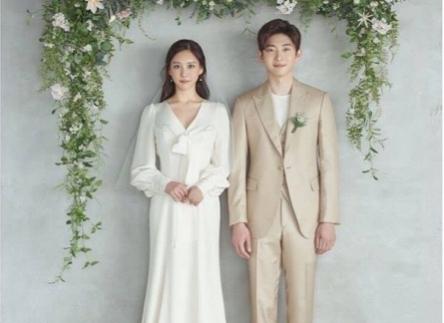 Những mẫu váy cưới đẹp 2021 gây choáng ngợp có thiết kế bất mắt