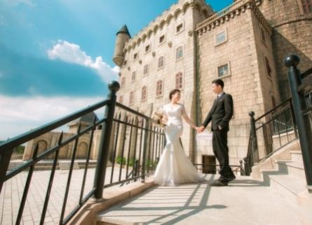 Cần chọn áo cưới như thế nào để  chụp ảnh cưới đẹp nhất