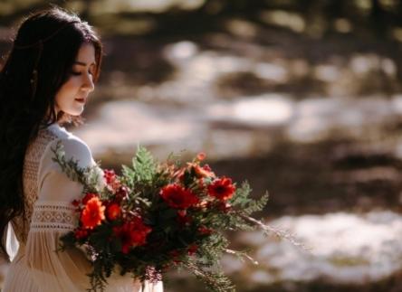 Hướng dẫn cách chọn váy cưới đẹp dành cho cô dâu thấp bé