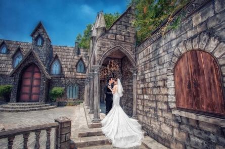 Những mẫu váy cưới đơn giản mà cực sang trọng