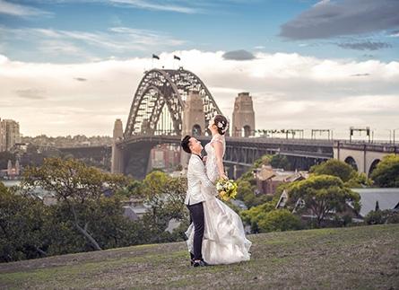 Tạo dáng chụp ảnh cưới đẹp nhất 2021 cho các cặp đôi cô dâu chú rể