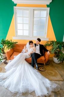 Chụp hình cưới theo phong cách hiện đại, sang trọng pha lẫn nét lãng mạn, cổ điển tại phim trường PARIS