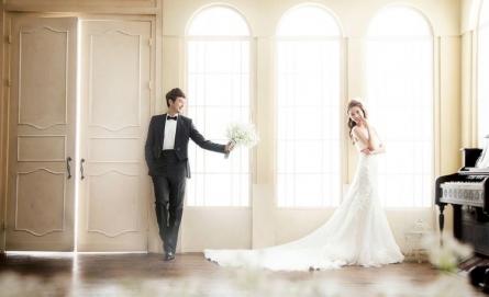 Chụp ảnh cưới tại studio